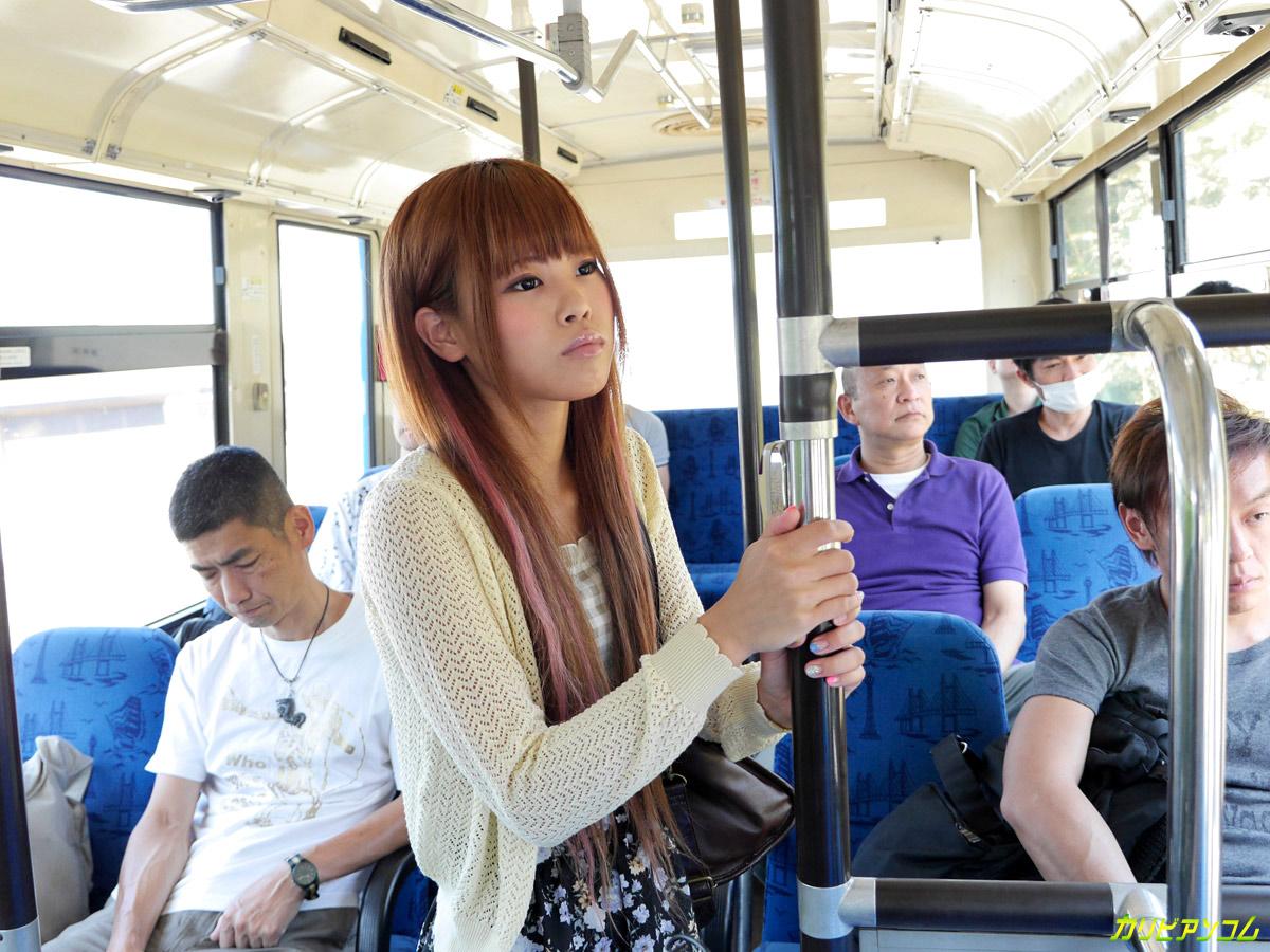 Смотреть озабоченные в автобусе 2 фотография