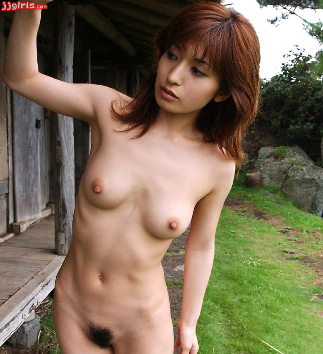 Sexy Asian Girl An Nanba Hairy Pussy Outdoors Pic