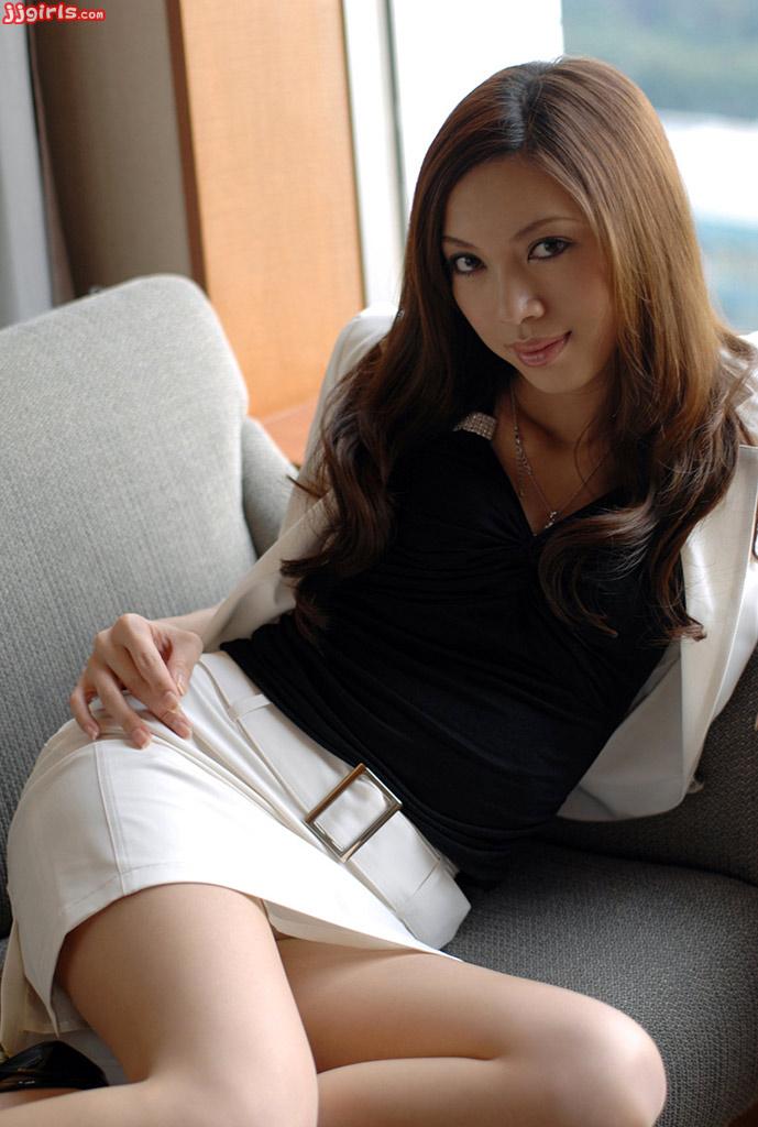 image Asahi miura asian secretary gives amazing headfucking in