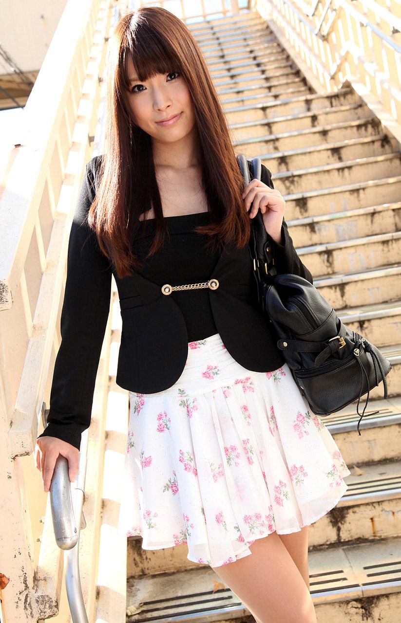 Moving anime teen girls