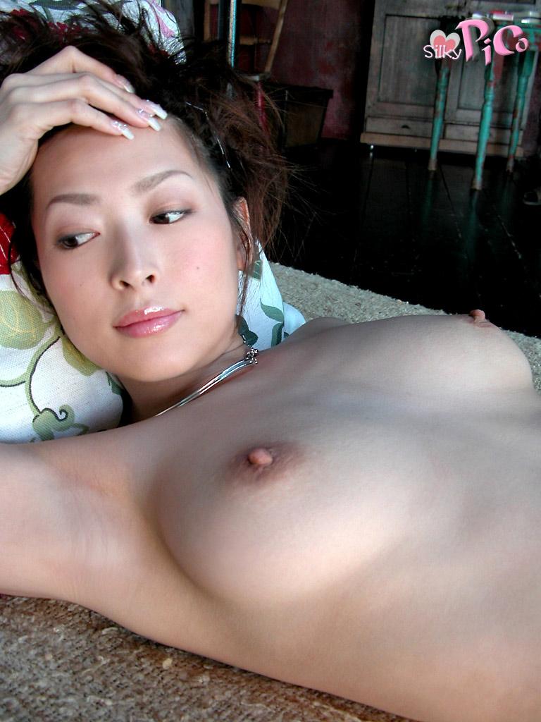 This hot japanese av idol nana kudo xxx photos gallery