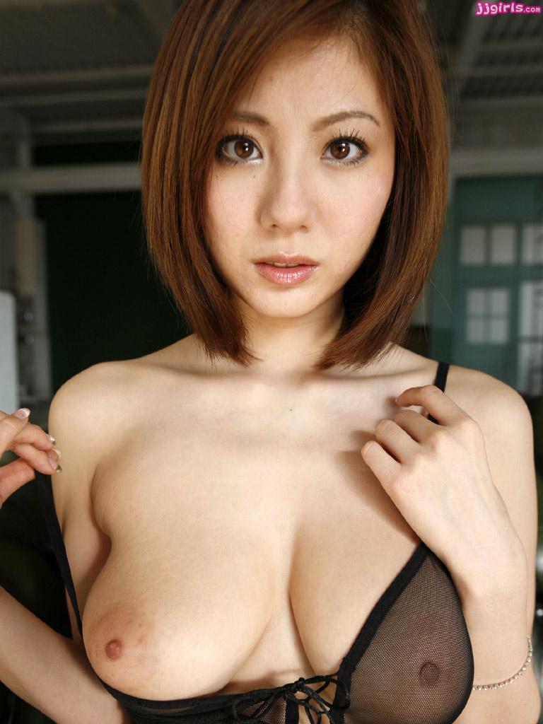 tits in locker room